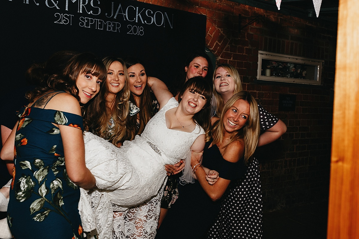 Indie Love Photography_Mytton and Mermaid Hotel, Shropshire_K+A-92